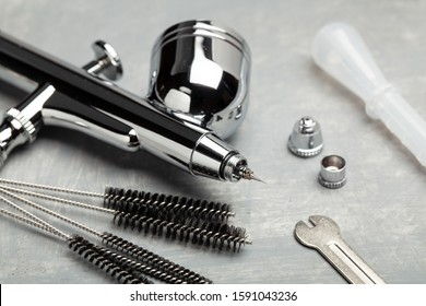 Airbrush cleaning. Brushes and other airbrush cleaning tools.