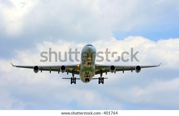 airbus 340 landing