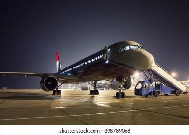 Aircraft maintenance at night apron