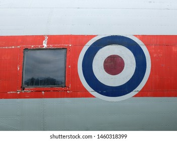 Aircraft window and roundel sign