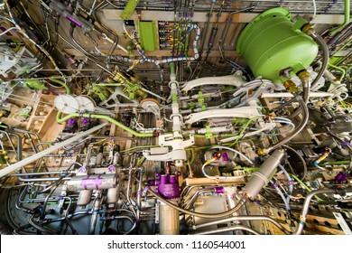 Aircraft's main landing gear compartment