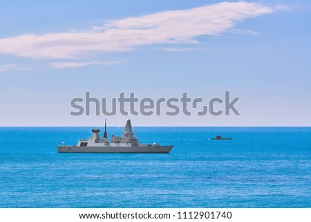 Airdefence Destroyer and Submarine