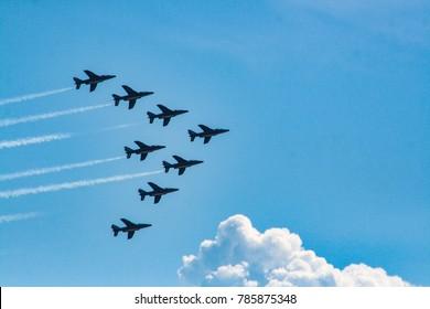 airplain aviation blue sky