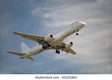 Airplane Embraer 190-100 AR before landing