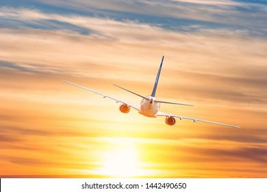 Airplane Images, Stock Photos & Vectors | Shutterstock