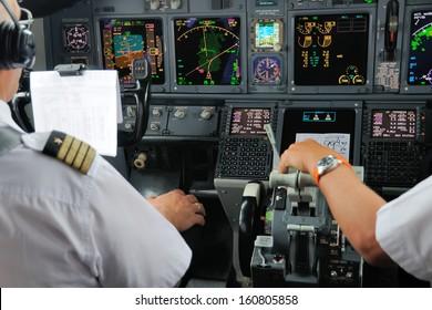 Airplane Instruments primary flight display