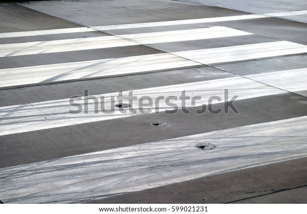 Airport Traces
