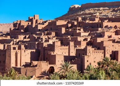 Ait Ben Haddou (or Ait Benhaddou) is a fortified city near ouarzazate in Morocco. Ait Ben Haddou is a great example of earthen clay architecture.