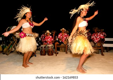 AITUTAKI - SEP 19:Cook Islanders dancers dancing Ura on September 19 2013.It's a sacred ritual usually performed by a female who moves her body to tell a story, accompanied by intense drumming