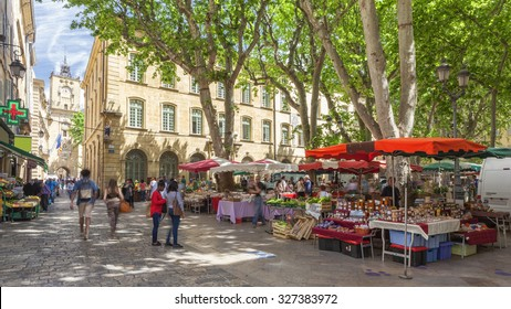 AIX EN PROVENCE, FRANCE - JUNE 1, 2015  : Market on a square in Aix en Provence