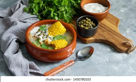 Ajiaco Colombiano.   sopa de patato común en Colombia, Cuba y Perú. América Latina