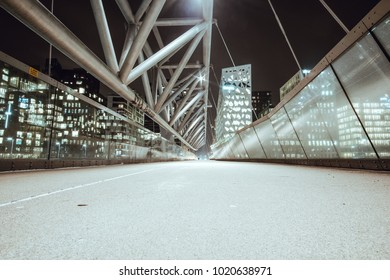 Akrobaten pedestrian bridge, a pedestrian bridge that stretches across the tracks of Oslo central station, connecting the two areas of Grønland and Bjørvika.