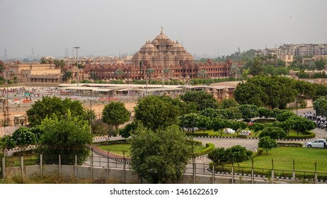 Akshardham - Hindu temple complex in New Delhi, India. Entered the Guinness Book of Records as the grandest Hindu temple in the world.