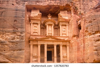 Al Khazneh, the treasury, ancient city of Petra, Jordan, 2018