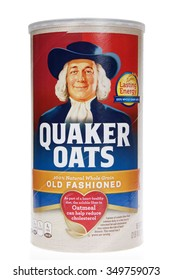 ALAMEDA, CA - DECEMBER 04, 2015: One 2 pound canister of Quaker brand Old Fashioned Oatmeal. 100 percent whole grain oats.