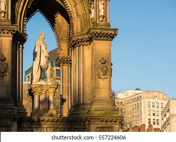 Albert Memorial, Albert Square in front of Manchester Town Hall, United Kingdom