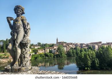 Albi (Tarn, Midi-Pyrenees, France) - Gardens of the historic Palais de la Berbie and panoramic view