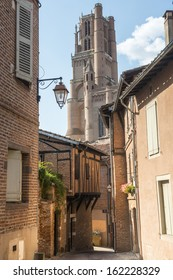 Albi (Tarn, Midi-Pyrenees, France) - Old typical buildings