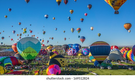 Albuquerque, NM - October 5, 2013 - Mass ascension begins at the annual Albuquerque Balloon Fiesta.