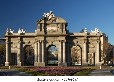 Alcala Gate on Plaza de la Independencia, Madrid, Spain