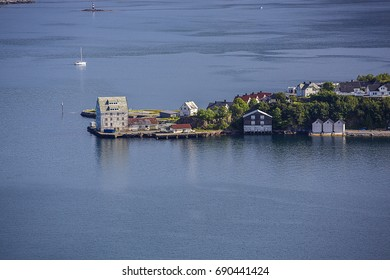 Alesund - surrounding areas are among the most visited sites for tourists in Norway