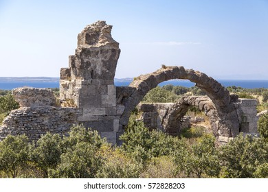 Alexander the Great founded the ancient city of Alexandria Troas behalf.