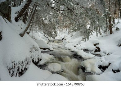 Algonquin Provincial Park Track & Tower Hiking Trail In Winter