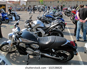 ALHAMA DE MURCIA, SPAIN 29 APR -Concentration International Custom Bike 2012,  Parking of motorcycles packed event every kind and color -Concentration The Mayos, Alhama Murcia, Spain Apr 2012