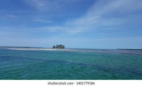 Alice Town Channel, Bimini, Bahamas