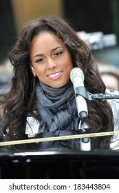 Alicia Keys on stage for NBC Today Show Concert with Alicia Keys, Rockefeller Center Plaza, New York, NY, April 21, 2008