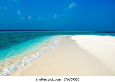 Alidhoofaru sandbank, Maldives