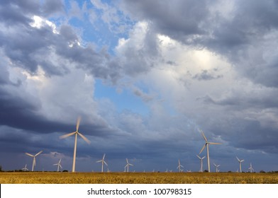 aligned  windmills for renewable electric energy production