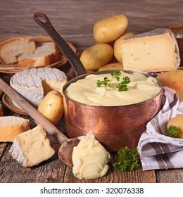 aligot,cheese fondue