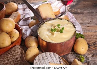 aligot,cheese and potato fondue