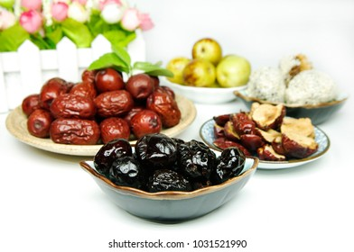 All kinds of dates products