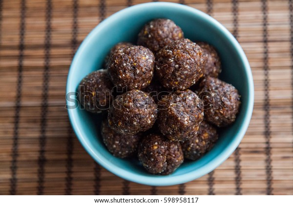 all natural healthy raw energy bites