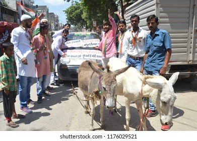 Allahabad: Congress workers hold a protest during Bharat Band protest against Prime minster Narendra Modi over hike price of petrolium, in Allahabad on 10-09-2018.