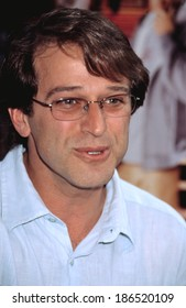 Allen Covert at premiere of MR DEEDS, NY 6/18/2002