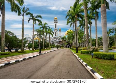 Alley jame asr hassanal bolkiah mosque brunei stock photo edit now