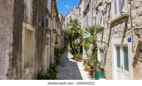 alley in orebic, croatia, hrvatska