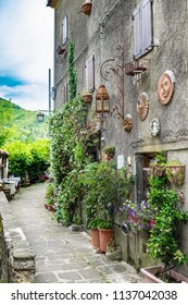 alleys of the city of calamecca