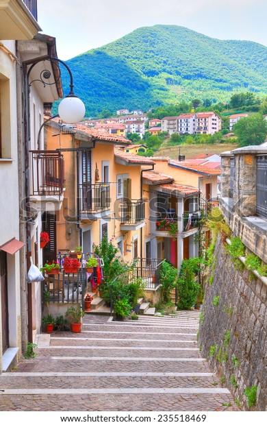 alleyway-brienza-basilicata-italy-600w-2