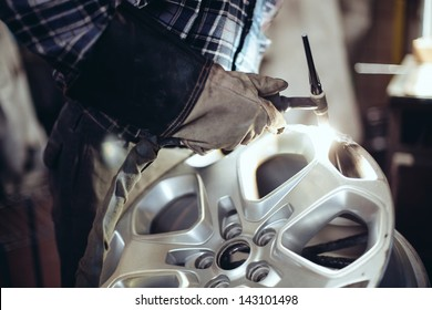 Alloy wheel repair, Welding alloy rim.
