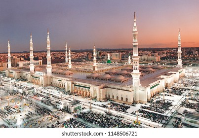 Al-Masjid an-Nabawi at Maghrib Prayer