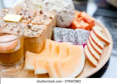 almond honey toast with ice-cream, Honey Toast