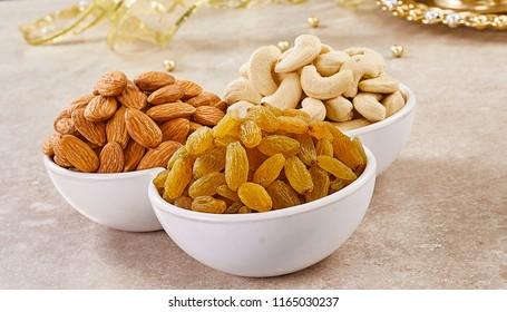 Almond and Raisins