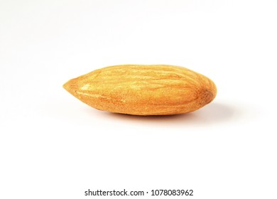almond in white background