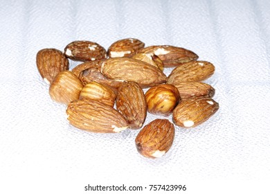 almonds and hazelnut hazelnuts