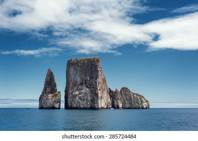 Almost everybody going to the Galapagos will see this rock formation. and if you are close by, you can see how big it is.