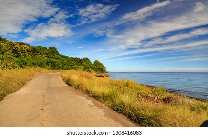 along the road on the island of Alor, we will often pass through the coastal area. white sand beaches, sometimes rocky beaches. if we have enough time, take a moment to stop at the beach.